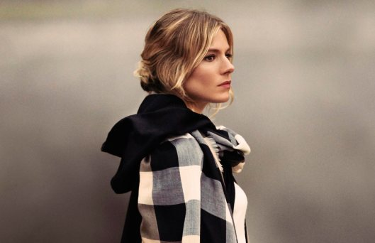the-tale-of-thomas-burberry-campaign-sienna-miller-on-embargo-until-1-november-2016-8am-uk-time